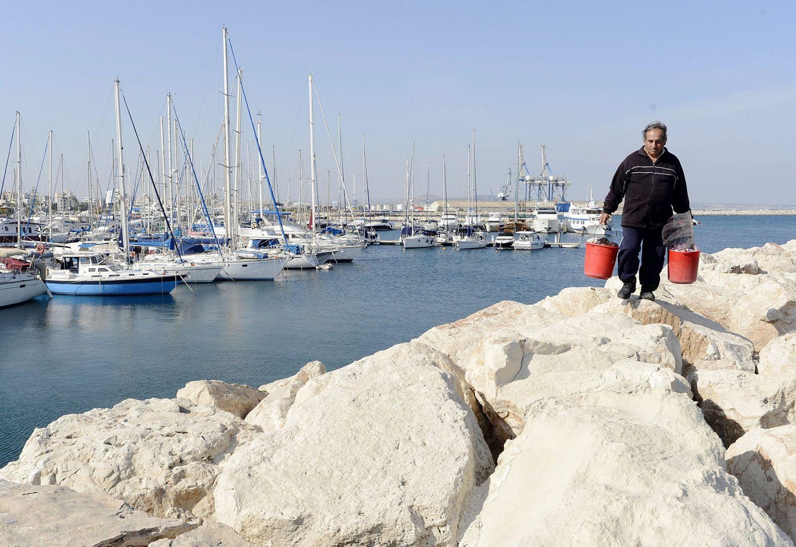 Zypern/ hafen