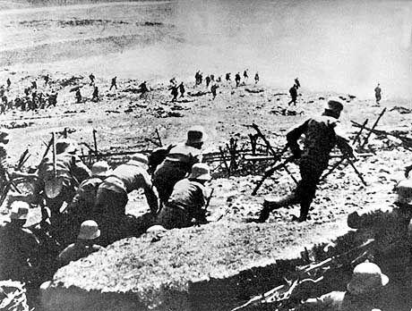 Sturmangriff österreichischer Truppen an der Isonzofront (1915)