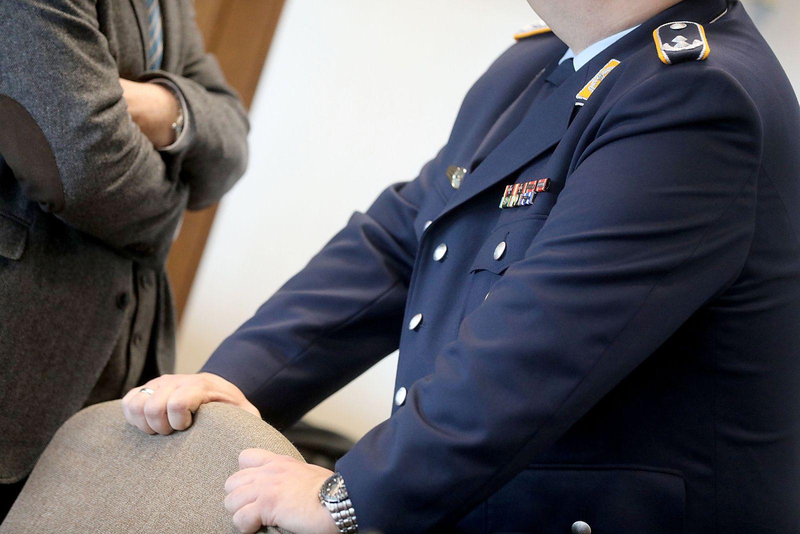 Staatsanwältin fordert Haftstrafe auf Bewährung für MAD-Offizier