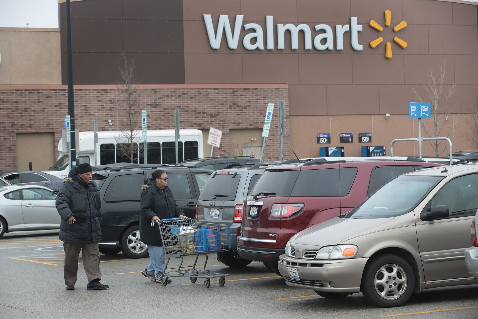 US-WAL-MART-ANNOUNCES-PLAN-TO-CREATE-10,000-JOBS-IN-U.S.-IN-2017