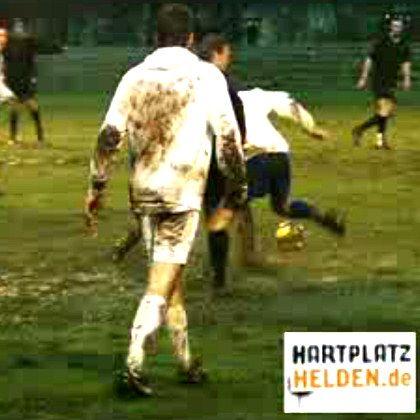 Hartplatzhelden-Videos: Fußball-Bilder von der Basis - und teils deutlich anders, als sich ein Verband das wünscht