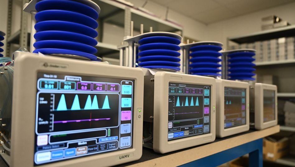 Produktion von Beatmungsgeräten in Witney, Großbritannien