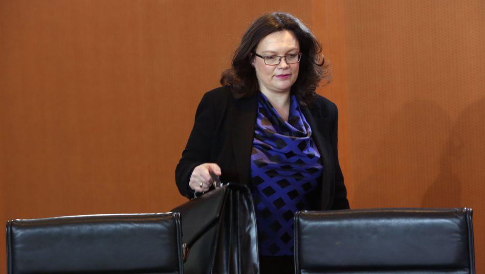 Arbeitsministerin Nahles: Mindestlohnausnahmen für Leute unter 18