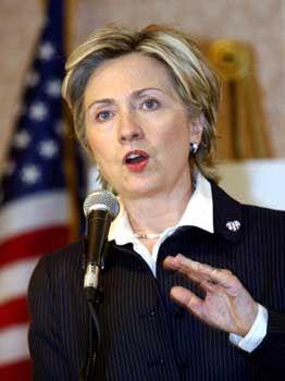 Hillary Clinton: Gemäß der gängigen Polit-Arithmetik benötigt Kerry einen Vize aus dem Süden