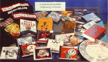 "Propagandamaterial des bewaffneten Arms der verbotenen Gruppe ""Blood and Honor"""
