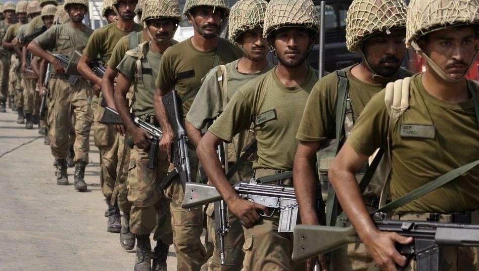 """Pakistanische Truppen (am 15. Oktober 2009): """"Wir sind noch nicht mit allen Kräften vorgerückt"""""""