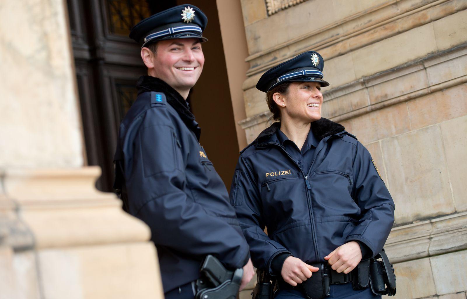 Polizei / Polizisten / Polizeiuniform in Bayern