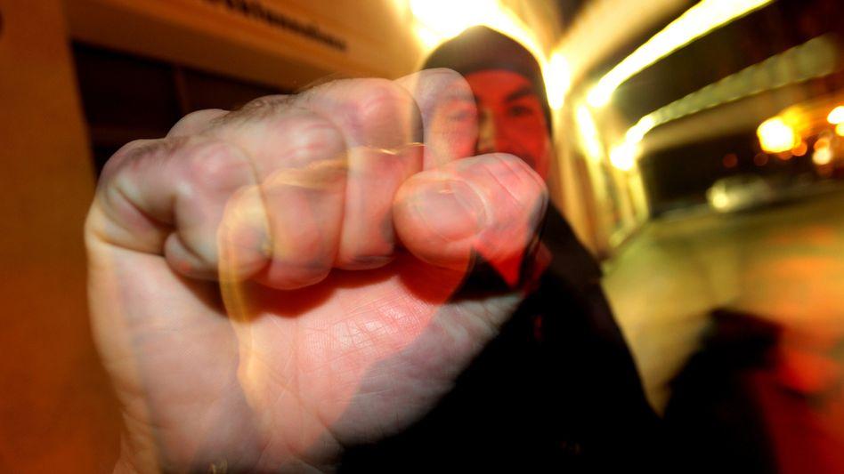 Gewaltbereit: Kriminelle haben oft keinen Schulabschluss - aber was folgt daraus?