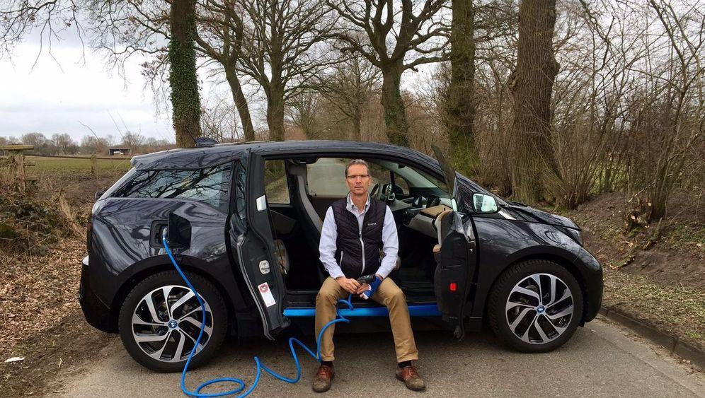 Selbstversuch im Elektroauto: Bis dass der Strom uns scheidet
