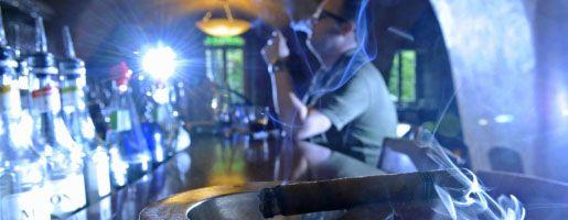 Raucher in einer Erfurter Kneipe: Nichtraucherschutz existiert nicht mehr
