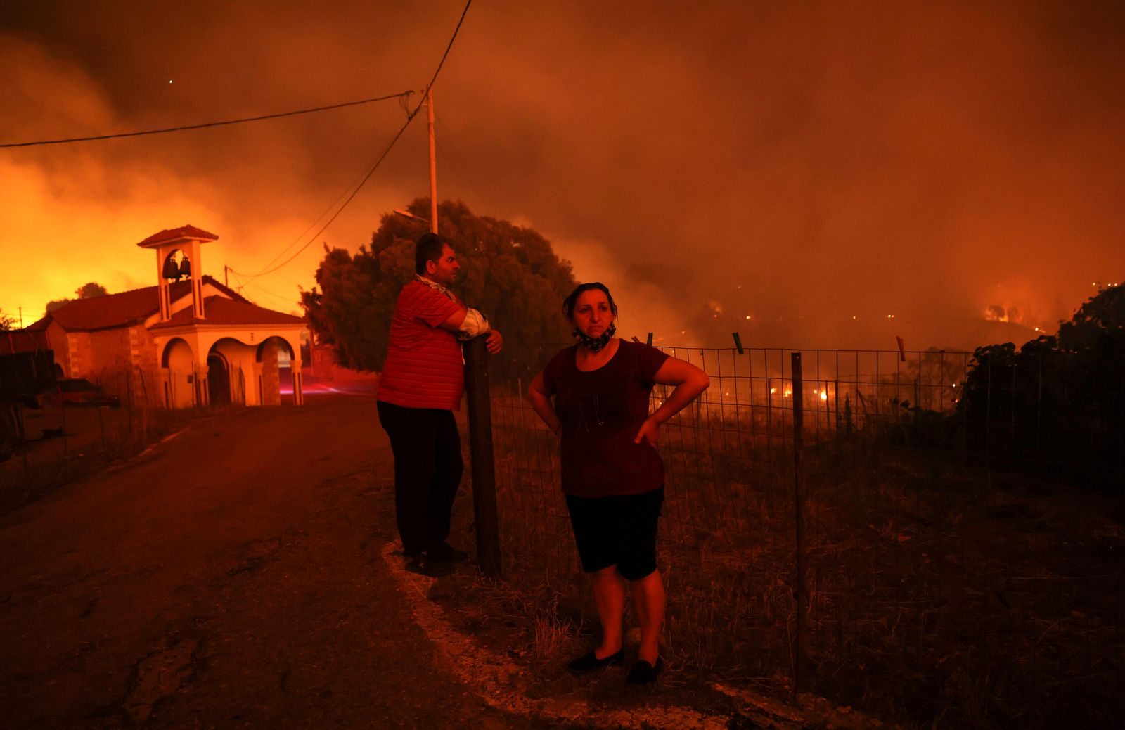 Greece battles wildfires