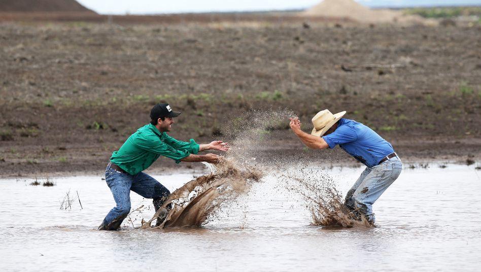 Liverpool Plains im australischen Bundesstaat New South Wales: Zwei benachbarte Bauern freuen sich über den Regen