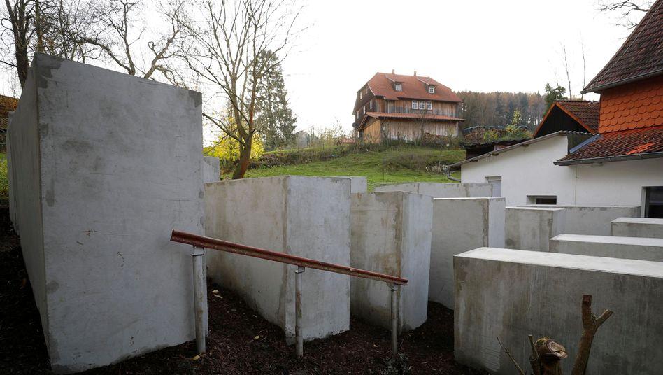 """Holocaust-Mahnmal in Bornhagen: """"Geheimdienstliche Tätigkeiten in eigener Regie"""""""