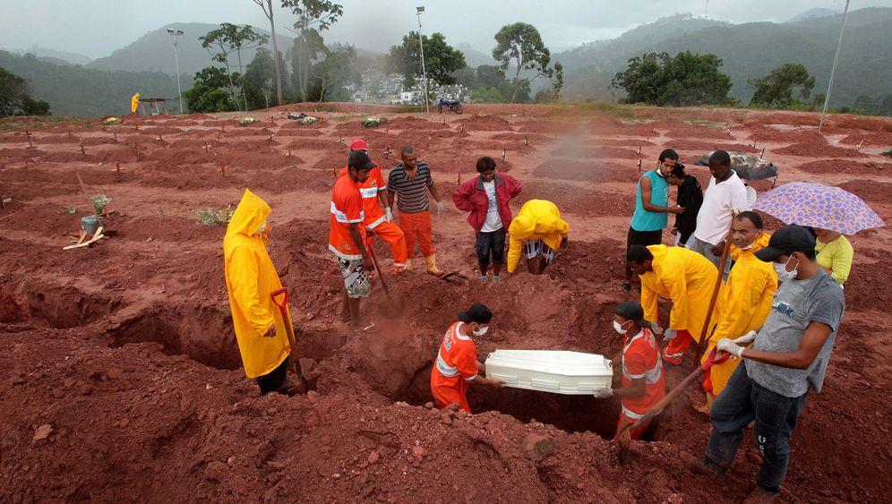 Unwetter in Brasilien: Die Opfer der Schlammlawinen