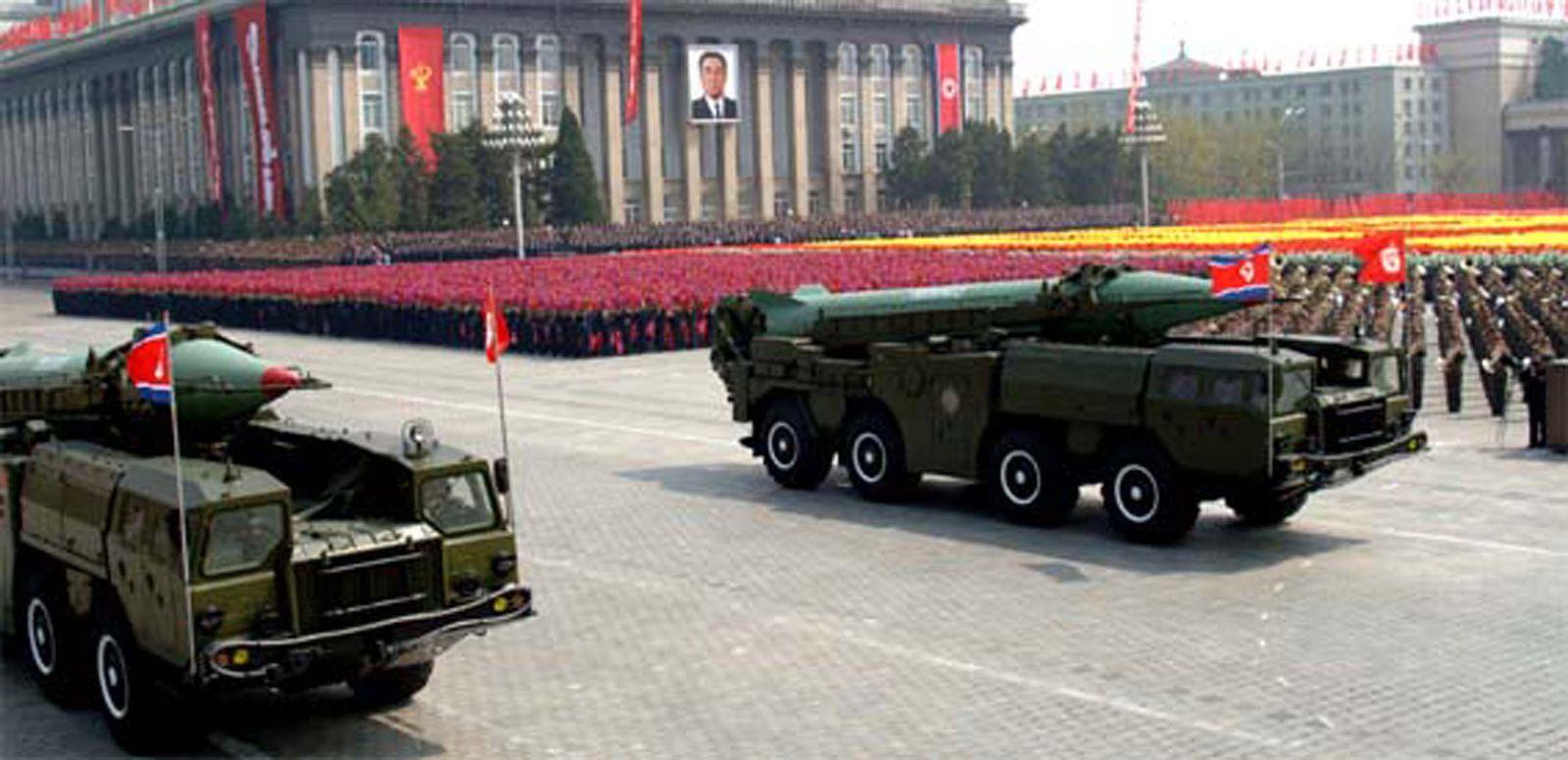 Nordkorea / Militärparade / Rakete