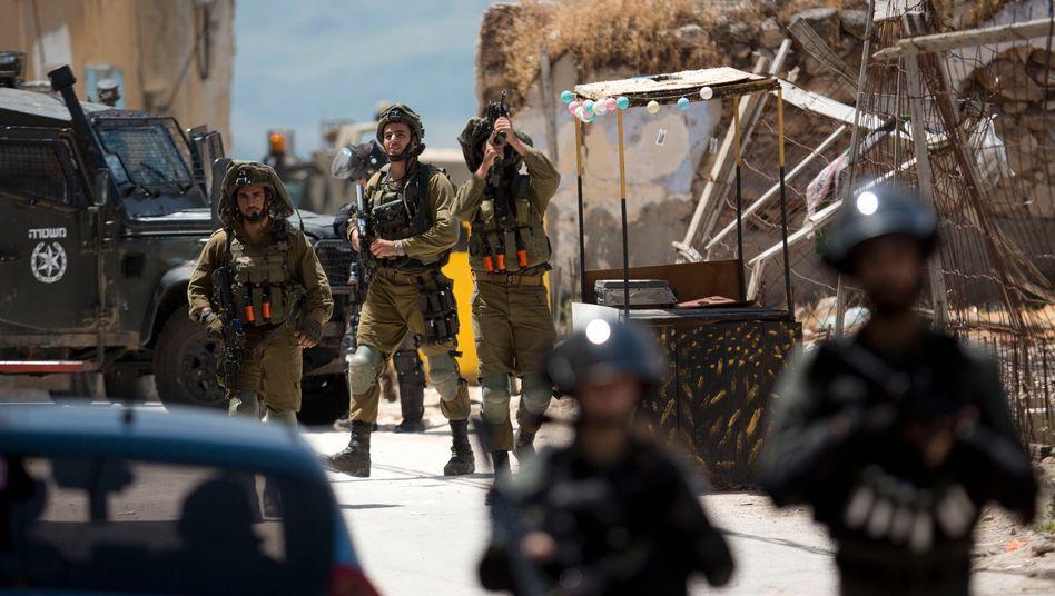 Israelische Soldaten am Dienstag im Dorf Jabed