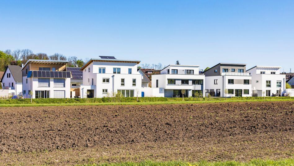 Einfamilienhäuser in Magstadt: Käufer sollten exakt durchrechnen, was sie sich an Kredit leisten können.