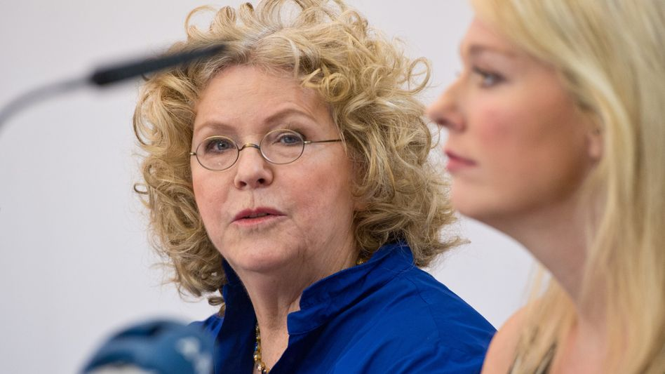 Eva Wagner-Pasquier und Katharina Wagner bei einer Pressekonferenz 2012: Künftig Beraterin statt Chefin