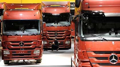 Lastkraftwagen: Viele Giftstoffe, schlechte Ergebnisse in der Unfallstatistik
