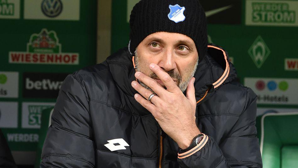 Pellegrino Matarazzo hat beim VfB hoffentlich Grund, fröhlicher zu gucken