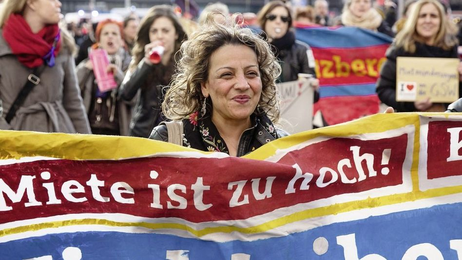 Demonstrierende im Februar in Berlin Viele Probleme nicht gelöst