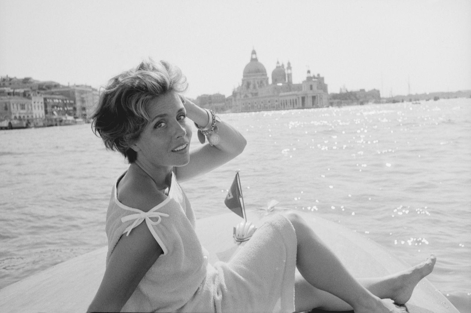 Sonja Ziemann on a motorboat