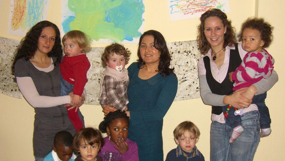 """Claudia Beyer (r.) mit Kolleginnen und Schützlingen: """"Ich will das bis zur Rente machen"""""""