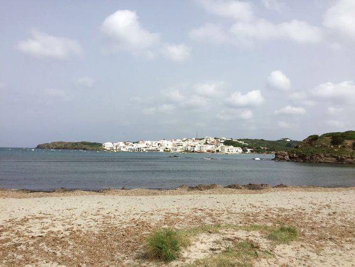 Strand von Es Grau