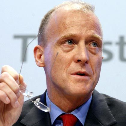 Airbus head Tom Enders said on Thursday that the strength of the euro was hurting his company.