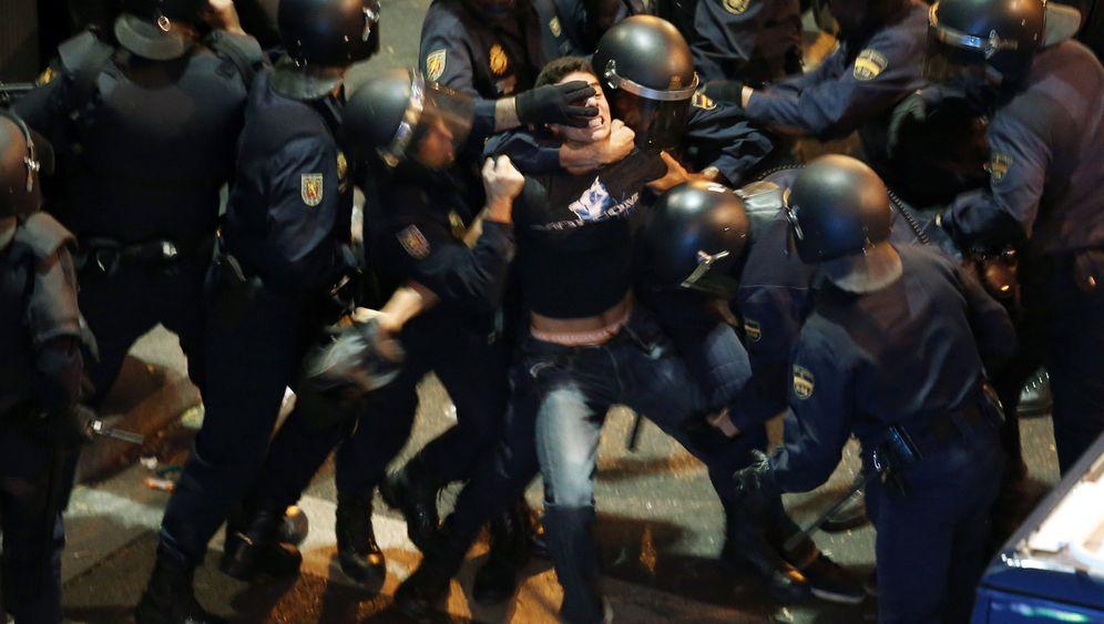 Gegen die Sparpolitik: Heftige Proteste in Madrid