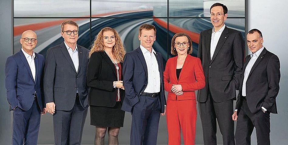 Bahn-Vorstandsmitglieder, -Chef Lutz (Mitte):»Governance-Anforderungen vermeiden«