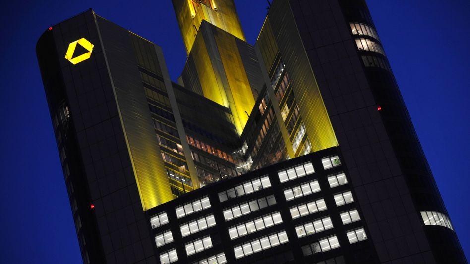 Commerzbank-Zentrale in Frankfurt: Viel Geld für die Investmentsparte