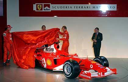 Enthüllung: Michael Schumacher und Rubens Barrichello lüften das Geheimnis um den neuen Ferrari