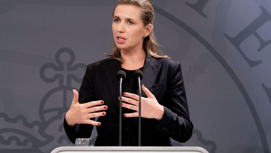 """Mette Frederiksen warnt IS-Kämpfer mit Doppelpass: """"Sie sind unerwünscht in Dänemark"""""""
