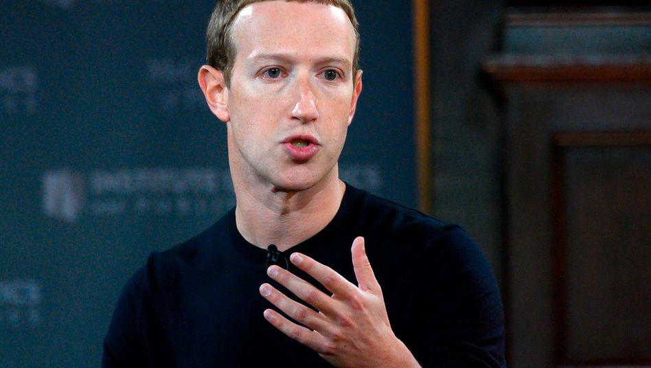 """Mark Zuckerberg (Archivbild von 2019): """"Wir müssen hier sehr vorsichtig vorgehen"""""""