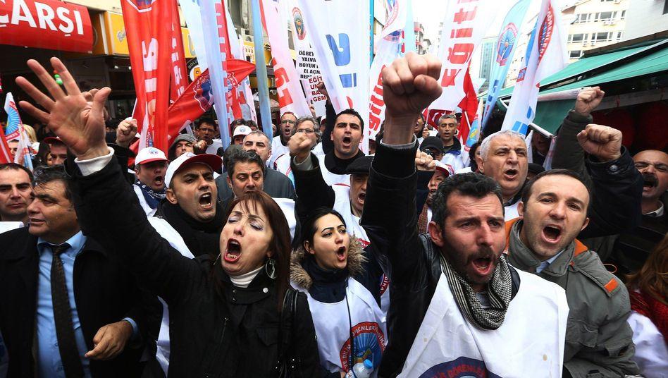 Demonstranten in der türkischen Hauptstadt Ankara: Protest gegen die AKP
