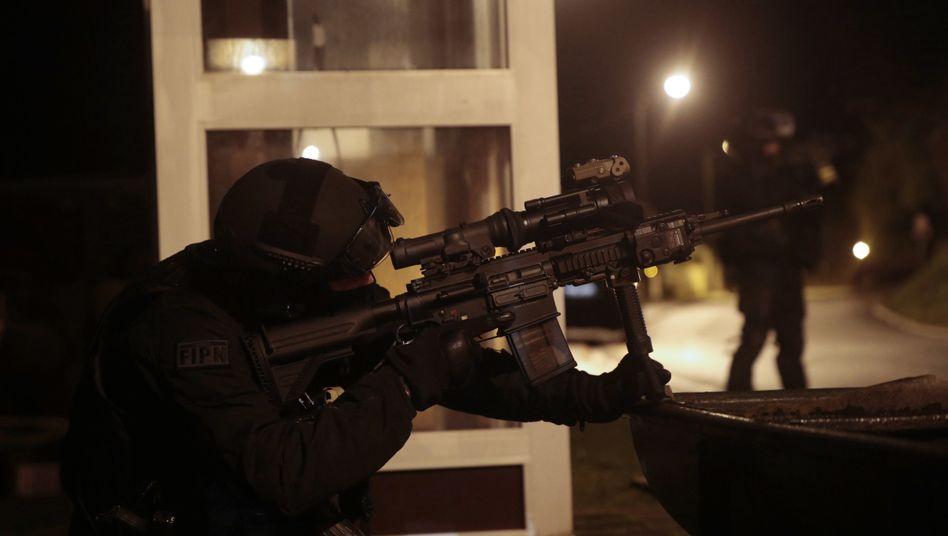 Anschlag in Paris: Terrorverdächtigersoll von al-Qaida trainiert worden sein