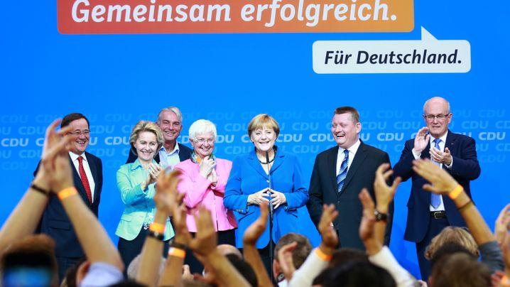 Jubel und Entsetzen: Der Wahlabend in Bildern