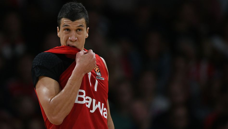 Münchens Vladimir Lucic schied mit seinem Team im Pokal-Achtelfinale aus (Archivbild)