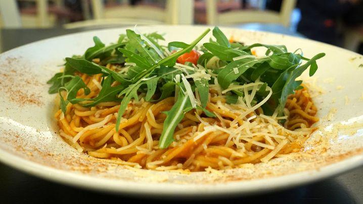 Schlapper Rucola, dröger Parmesan: Pastagericht bei Buster Pasta