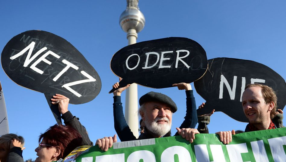Activists failed to wrest control of Berlin's energy grid from the Swedish concern Vattenfall.