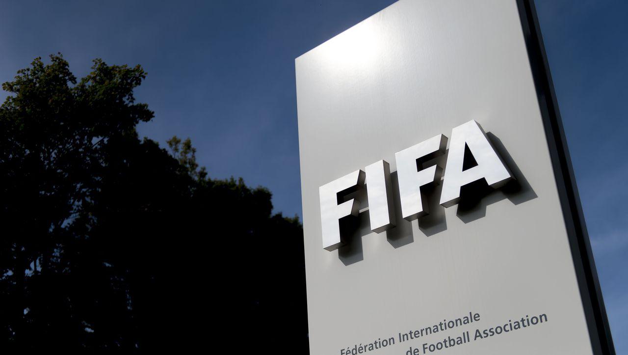 Wegen Coronavirus: Fifa gibt Empfehlung zur Verlängerung von Verträgen - DER SPIEGEL - Sport