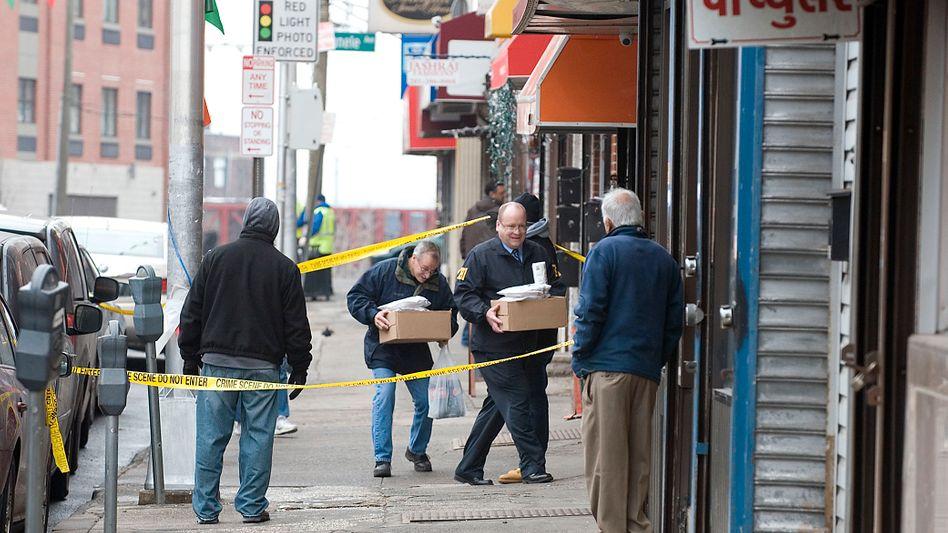FBI-Mitarbeiter am Dienstag in Jersey City: Ermittlungen dauerten eineinhalb Jahre