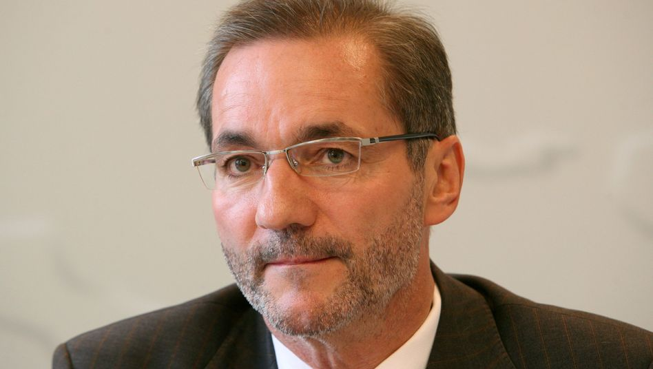 Matthias Platzeck, the SPD governor of the eastern German state of Brandenburg, has kicked off a reunification debate.