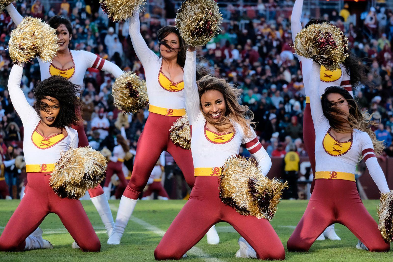 Washington No Cheerleaders Football