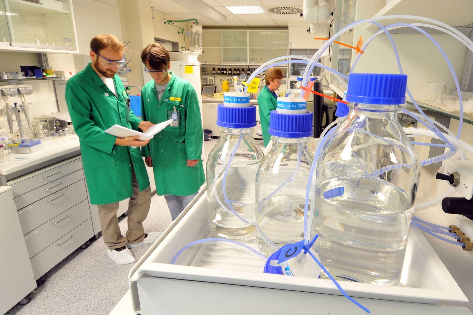 Forschungsanlagen im Helmholtz-Zentrum