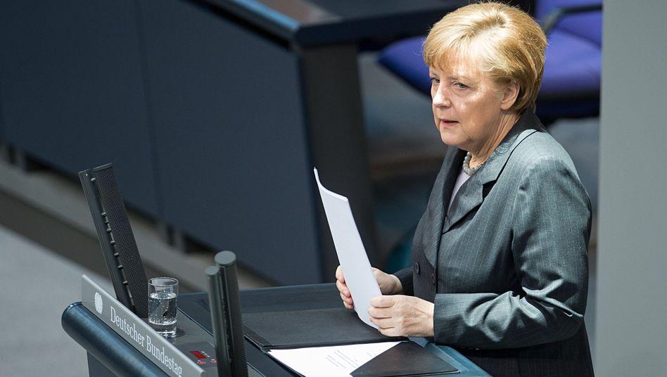 Regierungserklärung: Merkel droht Kreml mit härteren Sanktionen