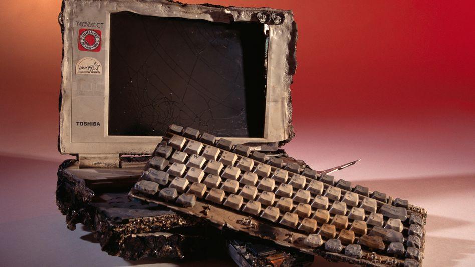 Zerstörter Laptop: Glück hat der Nutzer, dessen Versicherung auch wirklich zahlt