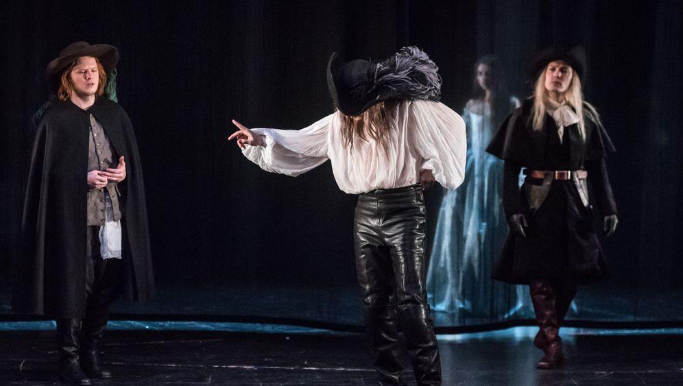 """""""Cyrano""""-Premiere in Hamburg: Ein Mann, ein Kraftakt"""