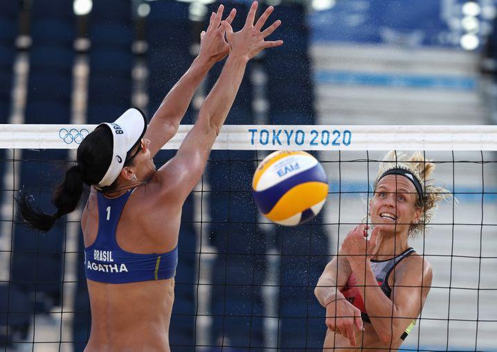 Laura Ludwig (r.) und Margareta Kozuch stehen im Viertelfinale
